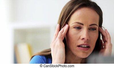 souffrance, femme, malheureux, mal tête