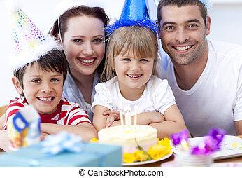 sourire, anniversaire, célébrer, famille