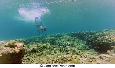 sous-marin, plongeon, snorkel, homme masque