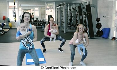 squats., gymnase, exercisme, bébés, mères