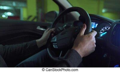 stationnement, utilisation, lot, innovateur, homme, automatisé, conduite, self-parking, voiture, autopilot