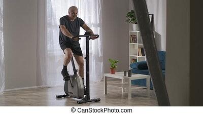 style de vie, garder, vélo, milieu, formation, crise, sain, stationnaire, maison, personne, âge
