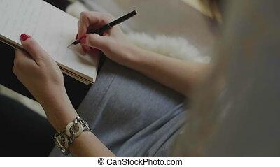 stylo, bloc-notes, femme, écriture