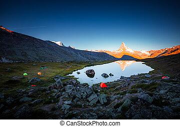 suisse, suisse, matterhorn, europe., endroit, emplacement, rouges, sunlight., célèbre, alpes, pic