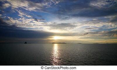 sur, coucher soleil, mer, boucle