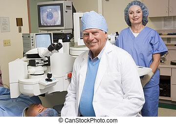 sur, examen oeil, docteur, patient, infirmière, subir