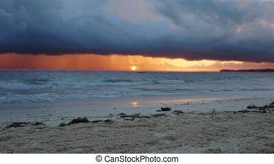 sur, océan, storm., dramatique, coucher soleil, waves.