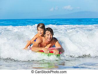 surfer, style de vie, vague, père, insouciant, fils, tandem, attraper, togehter, amusement, sourire, océan, heureux