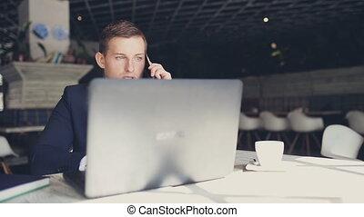 téléphone, complet, café, homme affaires, conversation