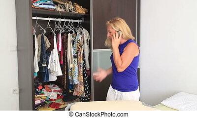 téléphone, conversation, femme, fâché