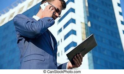 téléphone, homme affaires, conversation