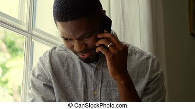téléphone, noir, maison, mobile, confortable, vue, conversation, homme, 4k, devant, jeune