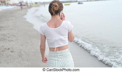 téléphone portable, femme, plage, jeune