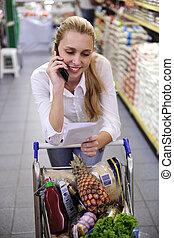 téléphone, supermarché, achats, femme, liste, conversation