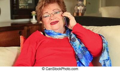 téléphoner femme, mûrir