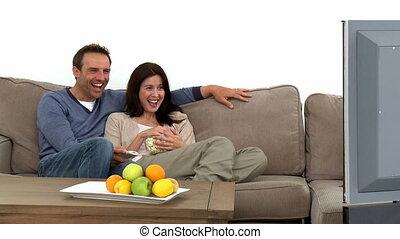 télévision regardant, couple