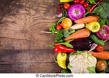 table bois, légumes