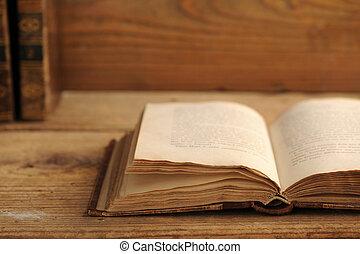 table bois, livre, vieux, ouvert