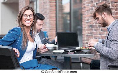 table café, employés, séance