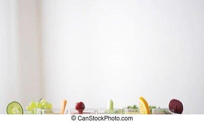 table, légumes, lunettes, jus, fruits