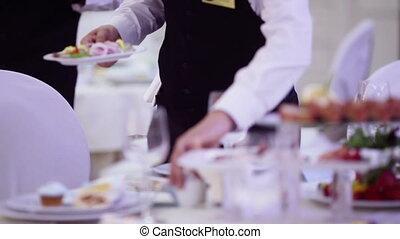 table, servir