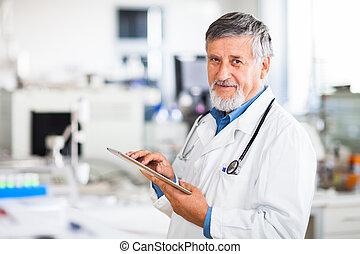 tablette, docteur, sien, utilisation ordinateur, personne agee, travail