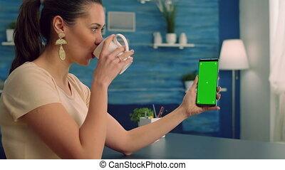 tasse, avoir, désinvolte, café, videocall, quoique, collegue, femme, elle, boire