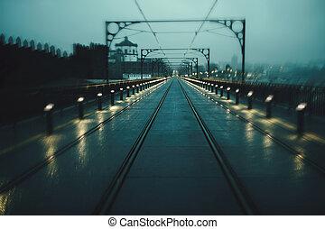 temps, porto, dom, nuageux, luis, pont, motion., fer, portugal., vue brouillée, image, nuit