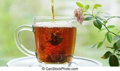 thé, framboise, feuilles, baume, verre, dehors, verser, menthe, citron, fête, groseille, cup.tea