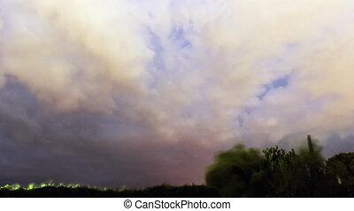 timelapse couvre, orage, éclair
