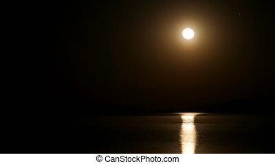 "timelapse, ""moon, monter, zoom, nuit, in"""