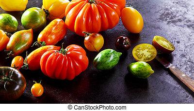 tomates fraîches, variétés, mûre, assorti