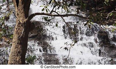 tomber, chute eau, continuously, eau, thaïlande, naturel, sur, son