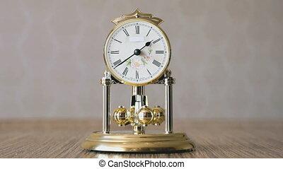 tourner, balles, formulaire, pendule, horloge