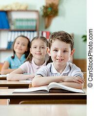 très, attentif, classes, élèves