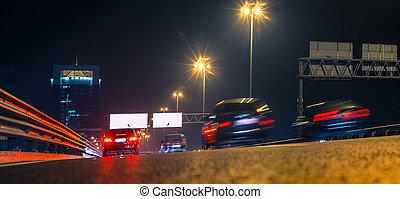 trafic ville, nuit