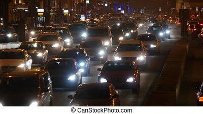 trafic, voiture, rue occupée, nuit