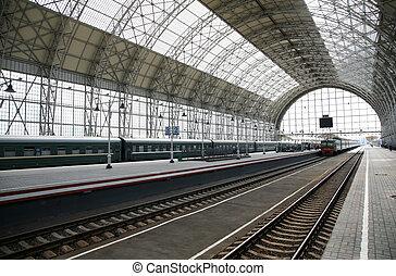 train, station, arrive