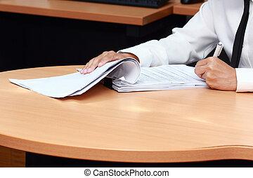 travail papier, analyser