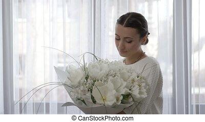 tulipes, bouquet, femme