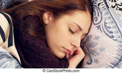 turning., femme, lancer, bed., dormir