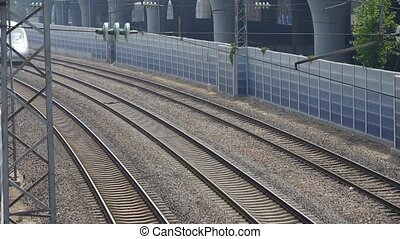 ultra-rapide, passing., négliger, rail