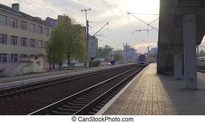 ultra-rapide, train passager, ukraine, interurbain