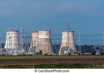 usine nucléaire, pouvoir électrique, pylônes