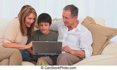 utilisation, ensemble, ordinateur portable, famille