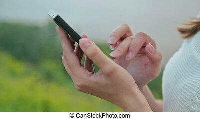 utilisation, gros plan, femme, smart-phone
