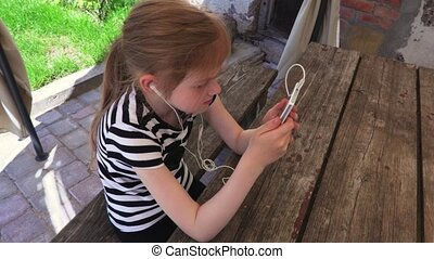 utilisation, peu, smartphone, girl