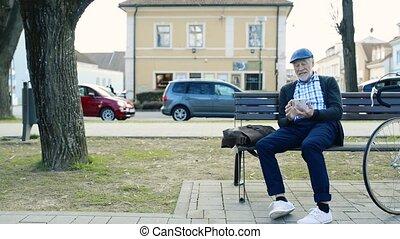 vélo, appel téléphonique, téléphone, confection, personne agee, intelligent, homme