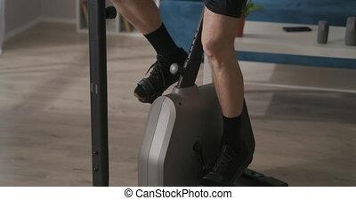 vélo, closeup, style de vie, formation, vue, pieds, pédales, stationnaire, crise, mâle, rotation, sain, garder