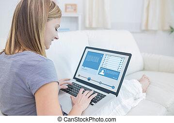 vérification, social, divan, profil, média, séance femme